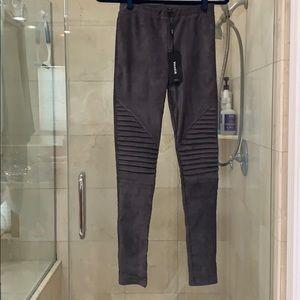 Venti6 gray faux suede Moto legging
